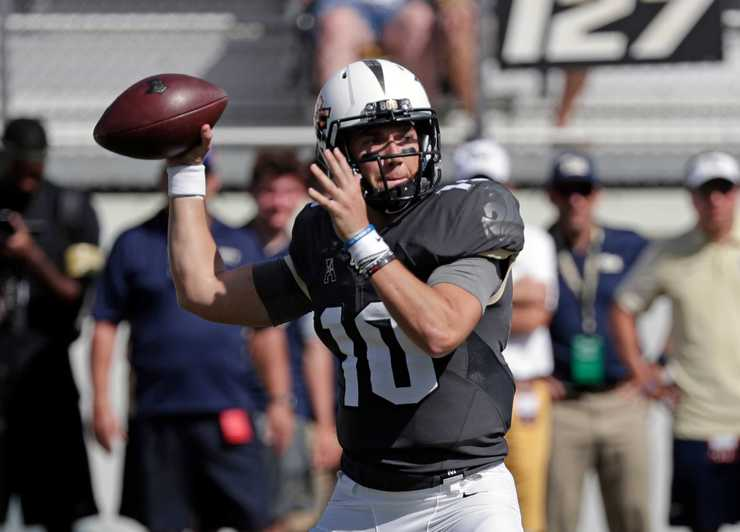 <strong>Central Florida quarterback McKenzie Milton throws a pass against Pittsburgh during the first half of the Sept. 29, 2018, matchup in Orlando, Fla.</strong> (AP Photo/John Raoux)