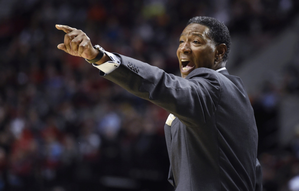 "<span class=""s1""><strong>There has been some speculation that Memphis Tigers assistant coach Sam Mitchell will not return to Penny Hardaway's staff next season.</strong>&nbsp;</span>(Steve Dykes/Associated Press file)"