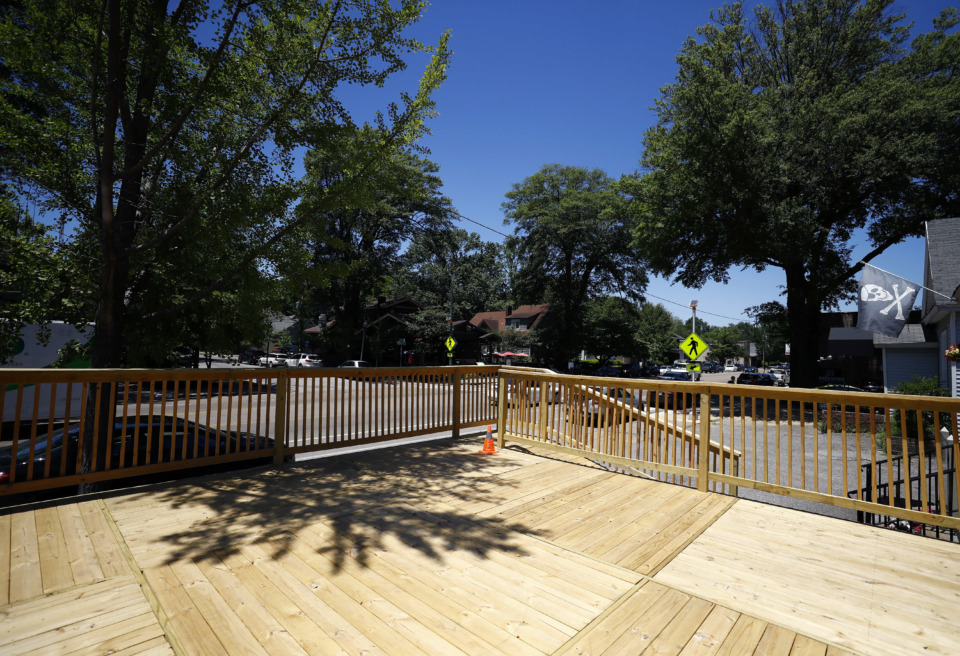<strong>Elwood's Shells will soon open an outdoor seating area.</strong> (Mark Weber/Daily Memphian)