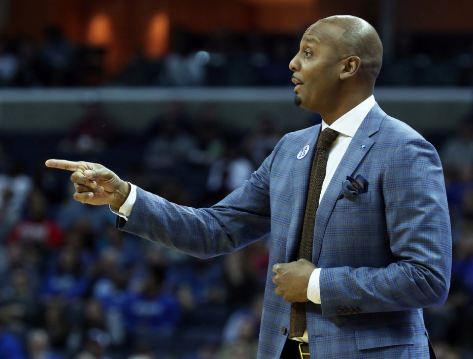 <strong><span>Memphis finished 11-7 in conference play last season, but appears to be the overwhelming favorite to take the conference crown this year. Coach Penny Hardaway&rsquo;s group is listed at 12-1 to win the national championship next season by Westgate Superbook.&nbsp;</span></strong>(Karen Pulfer Focht/Special to the Daily Memphian file)