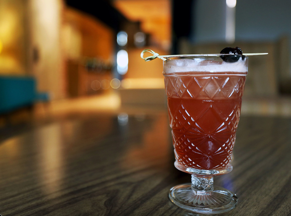 <strong>At Art Bar at Crosstown, the Singapore Sling consists mostly of alcohol and only a bit of lemon juice, unlike the original drink that was first created in 1915.</strong><span>&nbsp;(Patrick Lantrip/Daily Memphian)</span>