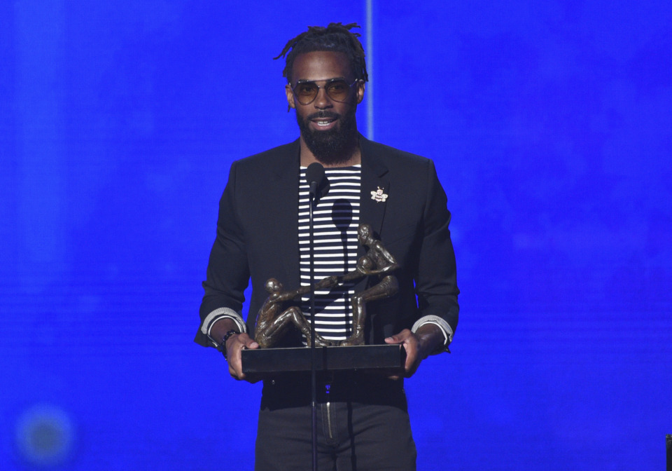 <span><strong>NBA player Mike Conley accepts the NBA teammates/sportsmanship of the year award at the NBA Awards on Monday, June 24, in Santa Monica, Calif.</strong> (Richard Shotwell/Invision/AP)</span>