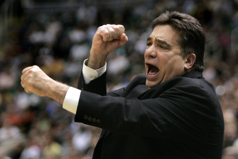 <span><strong>Tony Barone, who served as the Grizzlies interim coach in 2006 after Mike Fratello was fired, has died. Barone also served the franchise as an assistant coach and director of player personnel.&nbsp;</strong>(AP Photo/Douglas C. Pizac)</span>