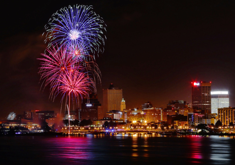 <strong>Fireworks illuminate the city during the annual Independence Day Fireworks Spectacular presented by the Memphis River Parks Partnership on July 4, 2019.</strong> (Jim Weber/Daily Memphian)