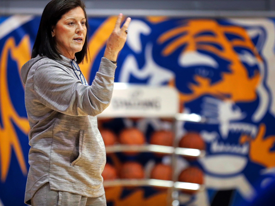 <strong>University of Memphis women's basketball coach Melissa McFerrin runs her team through defensive drills on Nov. 14, 2018 at the Elma Roane Fieldhouse.&nbsp;Former U of M&nbsp; women's basketball players are coming to the defense of McFerrin, who is under investigation for allegations of verbal and physical abuse.</strong> (Jim Weber/Daily Memphian)