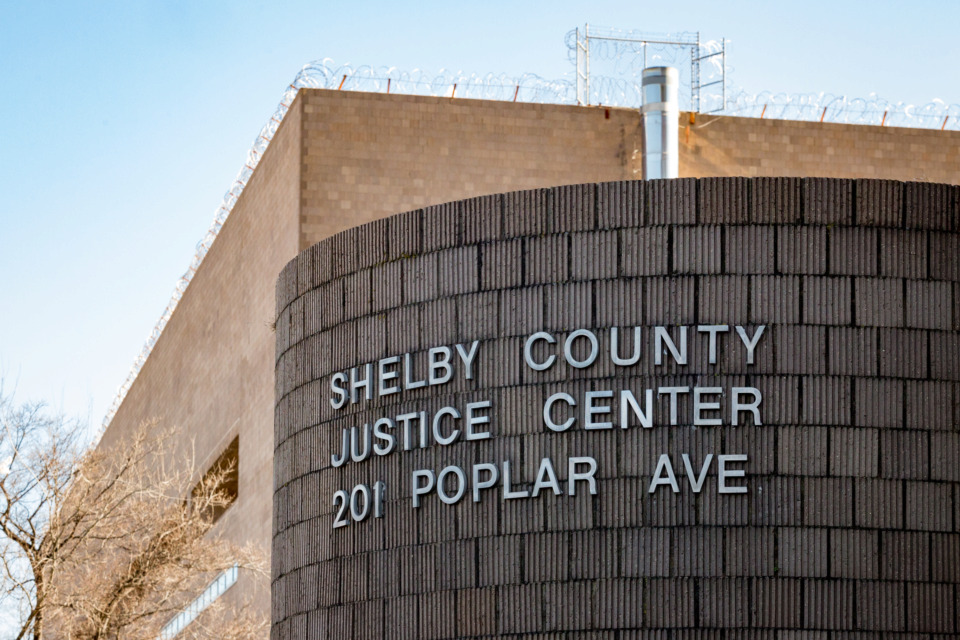 """<strong>Six correction deputies at the Shelby County Jail have quit their jobs amid an investigation into """"inappropriate relationships"""" at 201 Poplar with inmates.</strong>&nbsp;<strong>The resignations were announced by Capt. Anthony Buckner on July 19 in a video on Twitter.&nbsp;</strong>(Daily Memphian file)"""
