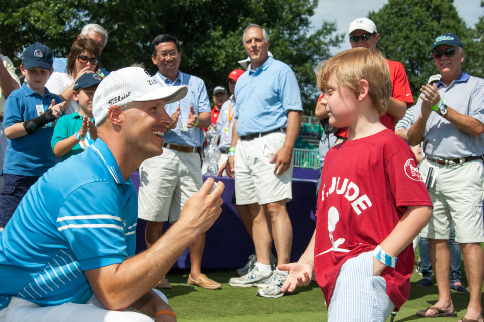 <strong>Ben Crane was victorious at the FedEx St. Jude Classic in 2014 after hanging out with St. Jude patients before the start of the tournament.&nbsp;</strong>(Photo courtesy of ALSAC/St. Jude Children's Research Hospital)