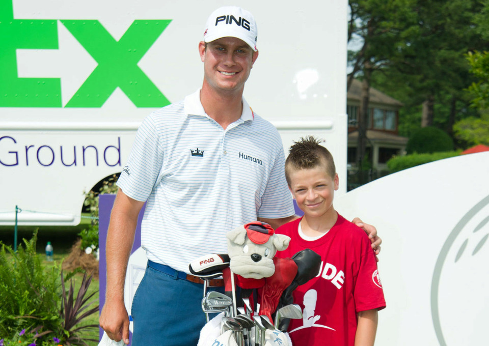<strong>Part of Harris English's pre-tournament preparation in 2013 included talking with St. Jude patients. That was the year he finished first in the FedEx St. Jude Classic.</strong><span>&nbsp;(Photo courtesy of ALSAC/St. Jude Children's Research Hospital)</span>