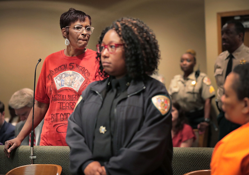 "<strong>During a hearing in which Sherra Wright pleaded guilty&nbsp;<span class=""s1"">to the&nbsp;charge of facilitation of first-degree murder in the death of her ex-husband, Lorenzen Wright, </span></strong><strong>Deborah Marion (left), mother of the slain NBA player, pleads with Wright (right) for permission to see her grandchildren.&nbsp;</strong>(Jim Weber/Daily Memphian)"