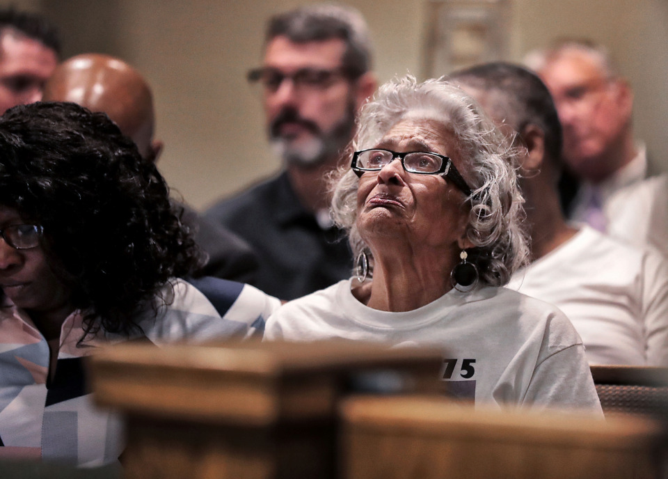 "<strong>Louise Vassar weeps as she listens to a list of evidence against Sherra Wright, who pleaded guilty in Judge Lee Coffee's court on July 25, 2019,&nbsp;</strong><strong><span class=""s1"">to the&nbsp;charge of facilitation of first-degree murder in the 2010 death of her ex-husband, Lorenzen Wright,&nbsp;Vassar's grandson</span></strong><strong>.</strong> (Jim Weber/Daily Memphian)"