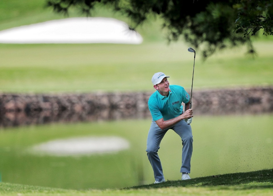 <strong>Brandt Snedeker follows his shot after hitting out of the rough on the first hole during the second round of tournament play at the WGC-FedEx St. Jude Invitational at Southwind on July 26, 2019.</strong> (Jim Weber/Daily Memphian)
