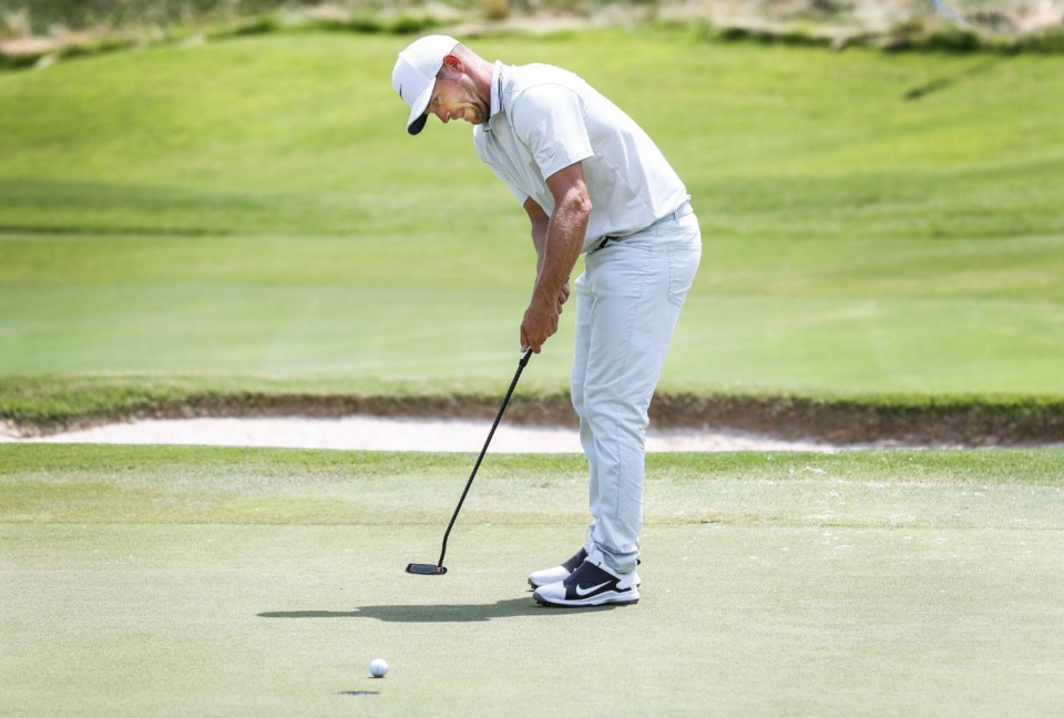 <strong>Alex Noren watches his birdie putt head for the sixth hole Sunday.</strong> (Mark Weber/Daily Memphian).