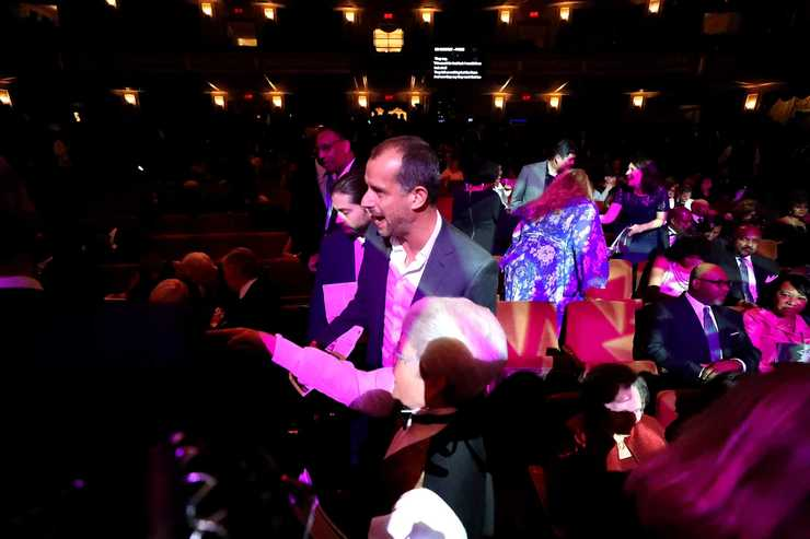 """<strong>Orpheum staff help guests find their seats at the 2018 Freedom Awards. The sold-out audience heard from three 2018 award winners: former vice president Joe Biden, Rev. Jesse Jackson, and Memphis philanthropist J.R. """"Pitt"""" Hyde.&nbsp;</strong>(Houston Cofield/Daily Memphian)"""