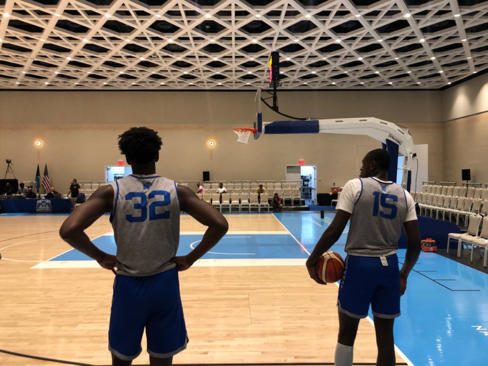 <strong>James Wiseman (32) and Lance Thomas (15) get in some practice Tuesday, Aug. 13, 2019, at Baha Mar resort in the Bahamas.</strong> (Drew Hill/Daily Memphian)