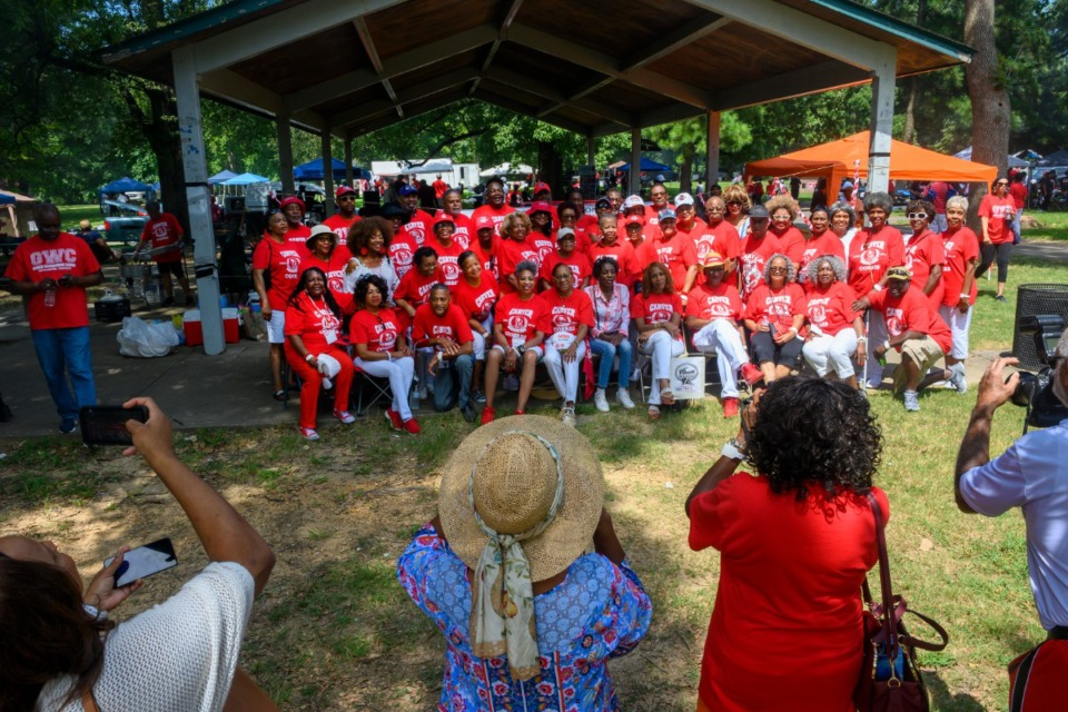 <strong>Carver High School class of 1969 gathers as friends and family photograph them at the all-class reunion Saturday.</strong> (Greg Campbell/Special to The Daily Memphian)