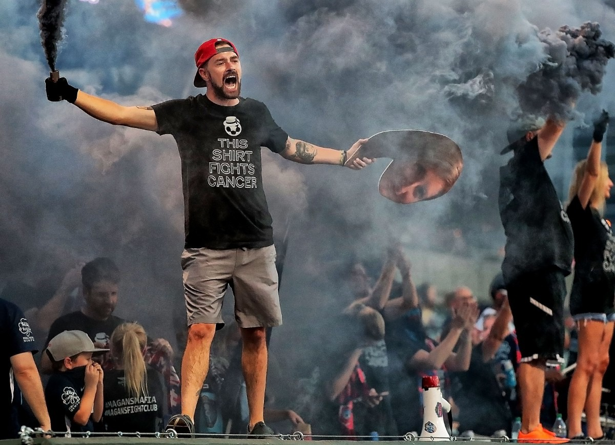 <strong>Memphis fans welcome their team onto the field before 901 FC's game against Swope Park at AutoZone Park on Sept. 7, 2019.</strong> (Jim Weber/Daily Memphian)