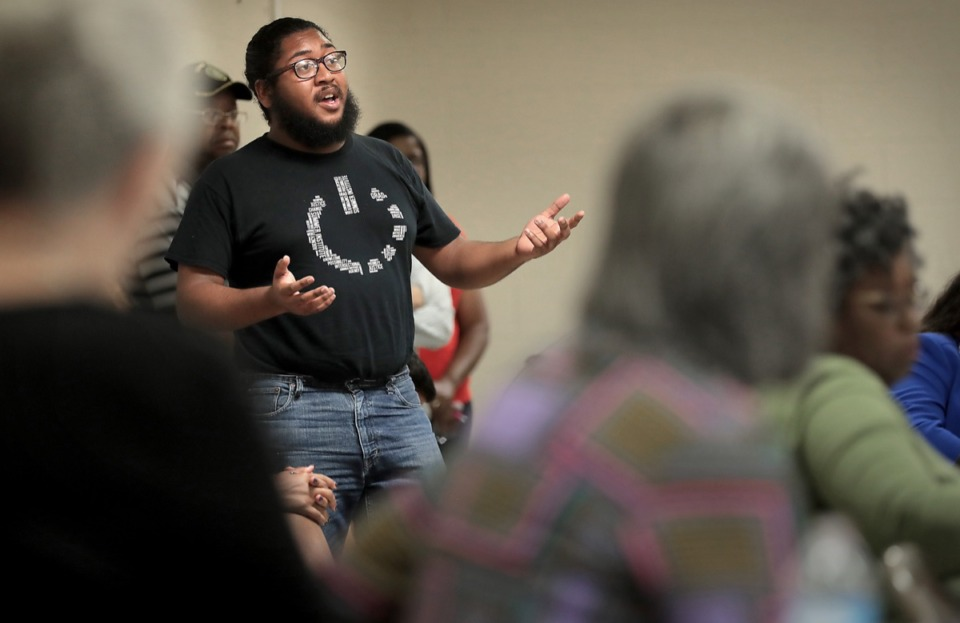<strong>Justin Davis of the&nbsp;<span>Memphis Bus Riders Union&nbsp;</span>expresses his support for Shelby County Mayor Lee Harris' proposed sustainability fee to raise funds for public transit during the Frayser Exchange Club meeting at Impact Baptist Church on Sept. 26.</strong> (Jim Weber/Daily Memphian)