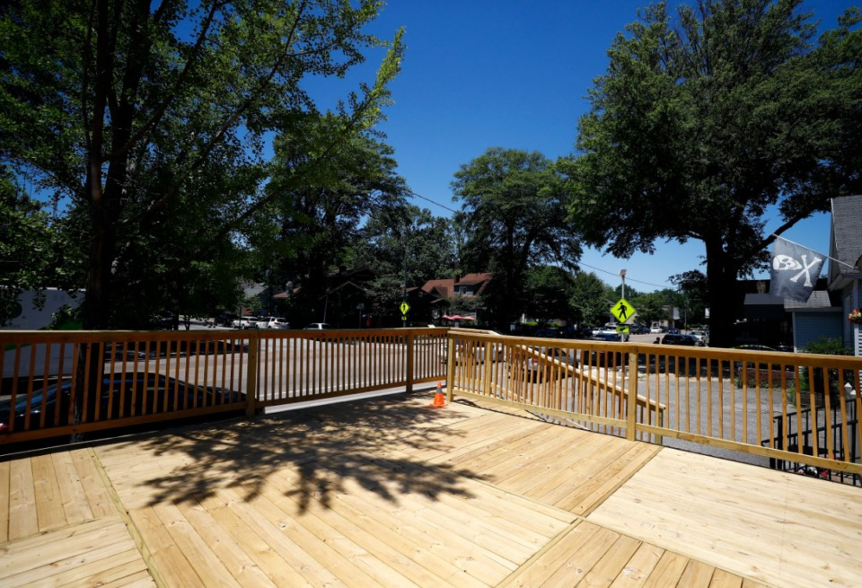 <strong>The outdoor seating area at Elwood's Shells in Cooper-Young should open in &ldquo;a month at the latest,&rdquo; owner Tim Bednarski said. &ldquo;I'm hoping two weeks.&rdquo;</strong>&nbsp;(Mark Weber/Daily Memphian file)