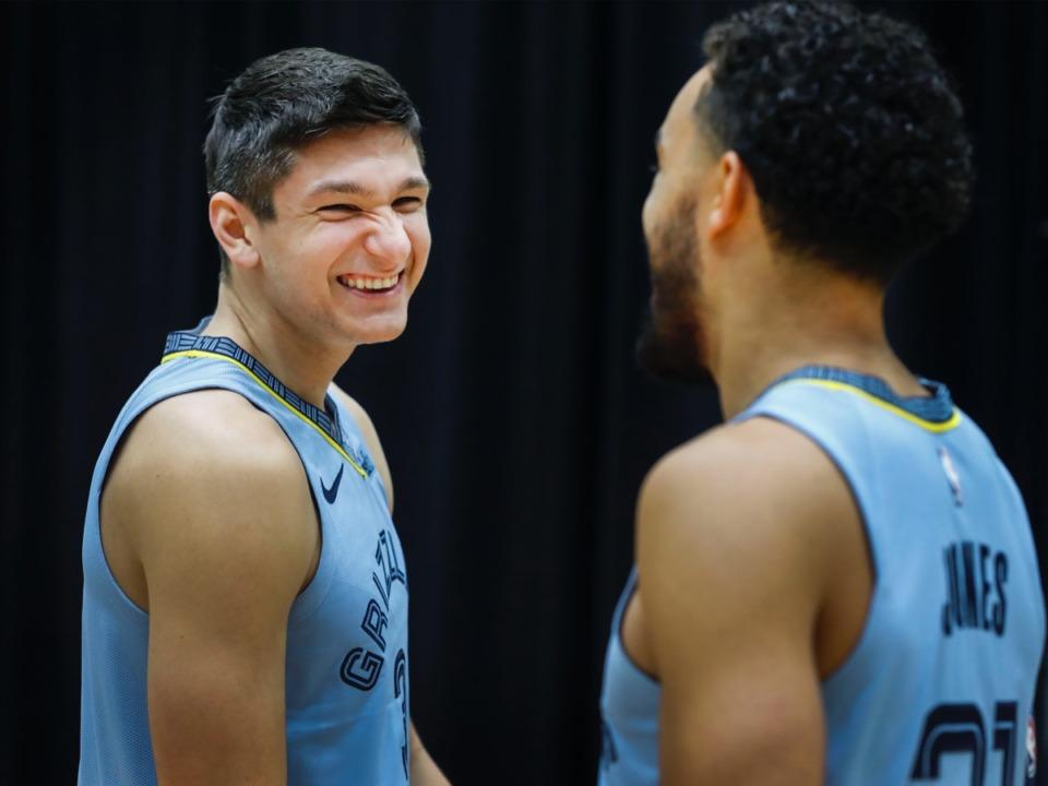 <strong>Grayson Allen (left) chats with Tyus Jones during the Memphis Grizzlies Media Day.</strong> (Mark Weber/Daily Memphian)