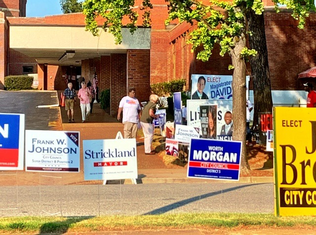 <strong>Casting ballots was a breeze Thursday for voters at Mississippi Boulevard Christian Church.</strong> (Holly Weber/Daily Memphian)