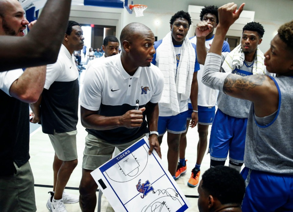 <strong>Memphis Tigers head coach Penny Hardaway (middle) directs his players during a timeout against the NPBA Select in their exhibition game in Nassau, Bahamas, Thursday, Aug. 15, 2019.</strong> (Mark Weber/Daily Memphian).