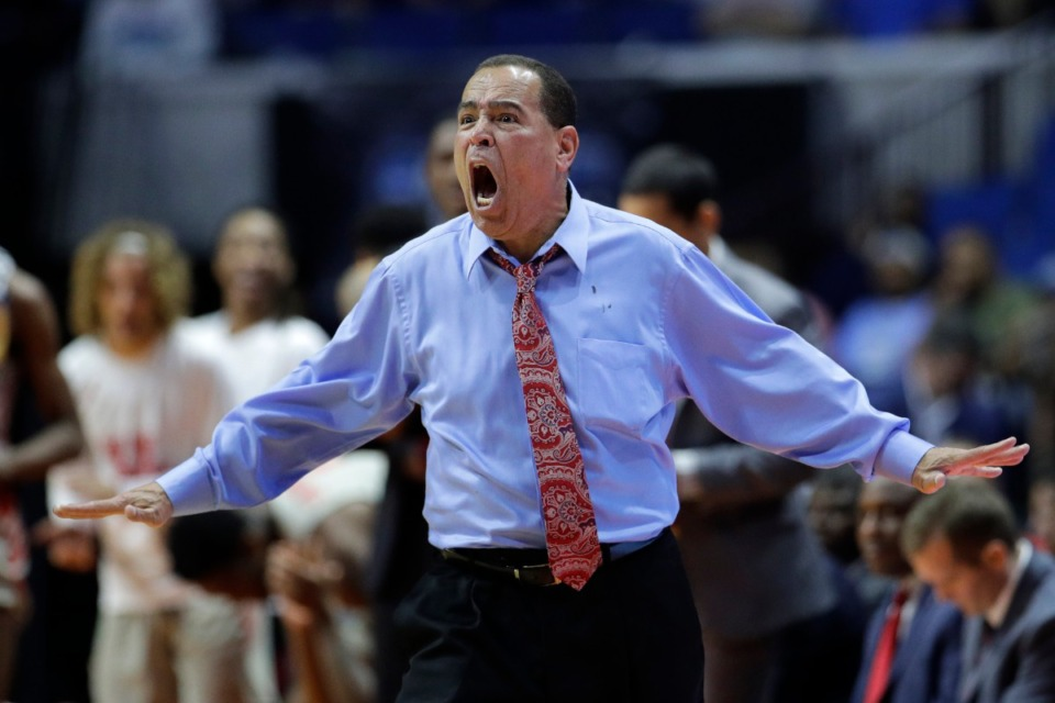 <strong>Houston head coach Kelvin Sampson reacts to a foul call during the first half of a second round men's college basketball game in last season's NCAA Tournament.</strong> (AP Photo/Charlie Riedel)