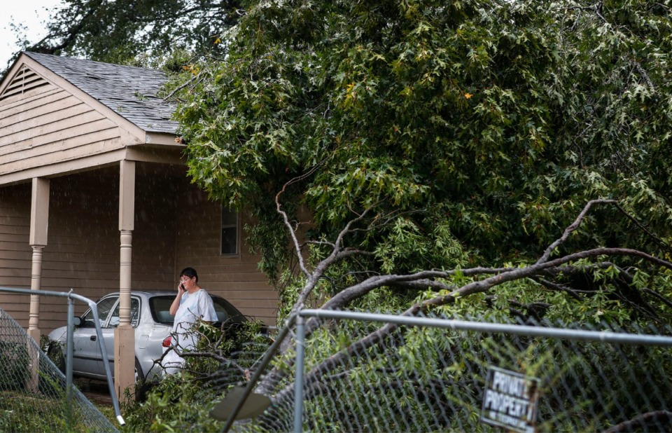 <strong>Parkway Village area saw storm damage to their homes after heavy rains and high winds hit the Memphis area early Monday, Oct. 21, 2019.</strong> (Mark Weber/Daily Memphian)