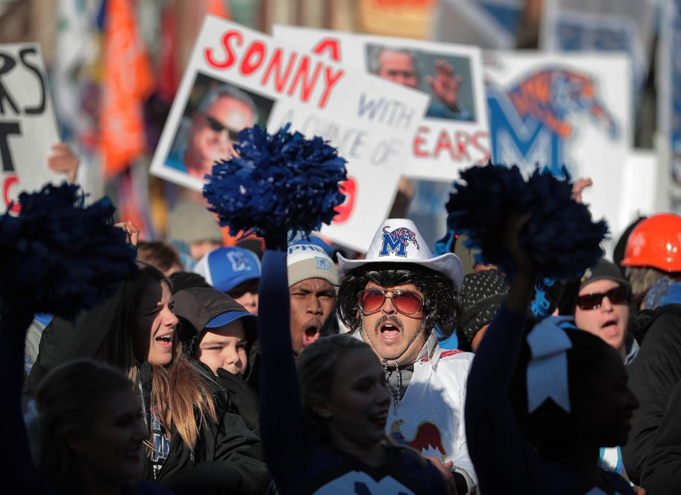 """<strong>Downtown Memphis was teeming with college football fans during the broadcast of ESPN's """"College GameDay"""" live from Beale Street on Nov. 2, 2019.</strong> (Jim Weber/Daily Memphian)"""