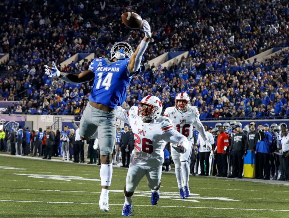 <strong>University of Memphis running back Antonio Gibson (left) attempts a touchdown catch in front of the SMU defense during action in their college football game Saturday, Nov. 2, 2019.</strong> (Mark Weber/Daily Memphian)