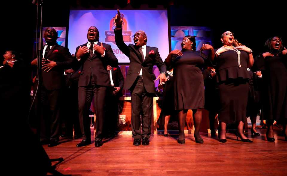 <strong>Members of the late O'Landa Draper's Associates gospel choir perform as Draper is inducted into the Memphis Music Hall of Fame at the Cannon Center for the Performing Arts.</strong> (Houston Cofield/Daily Memphian).