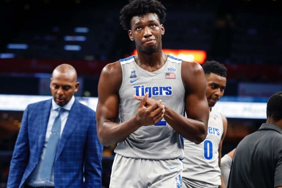<strong>Memphis center James Wiseman (front) and coach Penny Hardaway, seen here in the game against UIC, are at the center of the NCAA conbroversy.</strong> (Mark Weber/Daily Memphian)