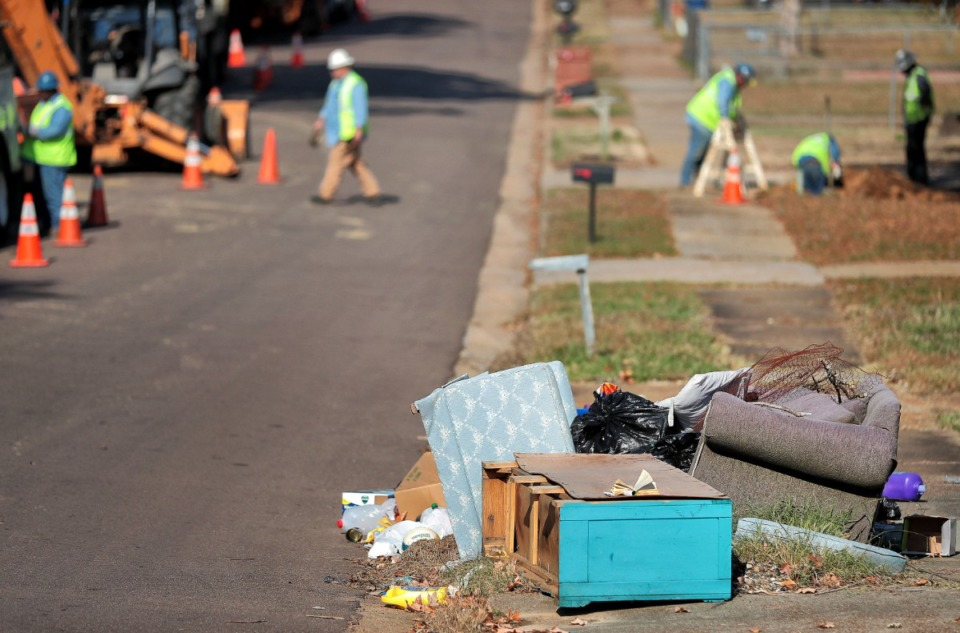 <strong>Garbage litters the sidewalks in Northaven on Nov. 5, 2019. If Mayor Lee Harris' solid waste services proposal is approved, Shelby County could start providing solid waste services to Northaven residents by spring 2020.&nbsp;</strong> (Jim Weber/Daily Memphian)