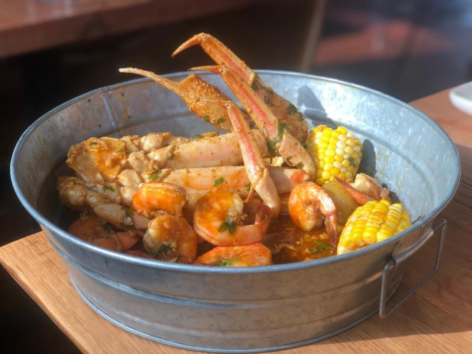<strong>You can choose the ingredients for your seafood boil at Saltwater Crab; here a cluster of snow crab is paired with a 1/2 pound of shrimp.</strong> (Jennifer Biggs/Daily Memphian)
