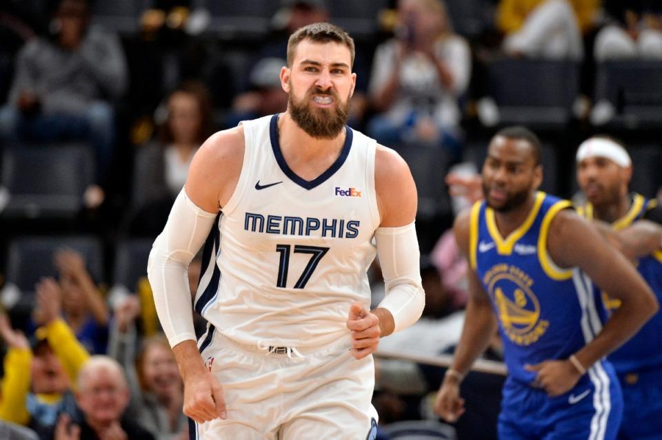 <strong>Memphis Grizzlies center Jonas Valanciunas (17) reacts to a good play Nov. 19 atFedExForum.</strong> (Brandon Dill/AP)