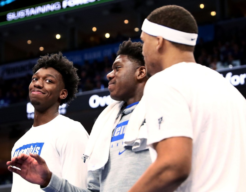 <strong>Memphis center James Wiseman (left) with his teammates at the Tigers' game against Alcorn State University at the FedExForum Nov. 16, 2019.</strong> (Patrick Lantrip/Daily Memphian)