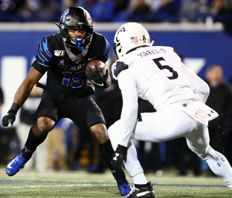 <strong>University of Memphis running back Kenneth Gainwell (19) runs the ball during a a 34-24 win against the University of Cincinnati Nov. 29.</strong> (Patrick Lantrip/Daily Memphian