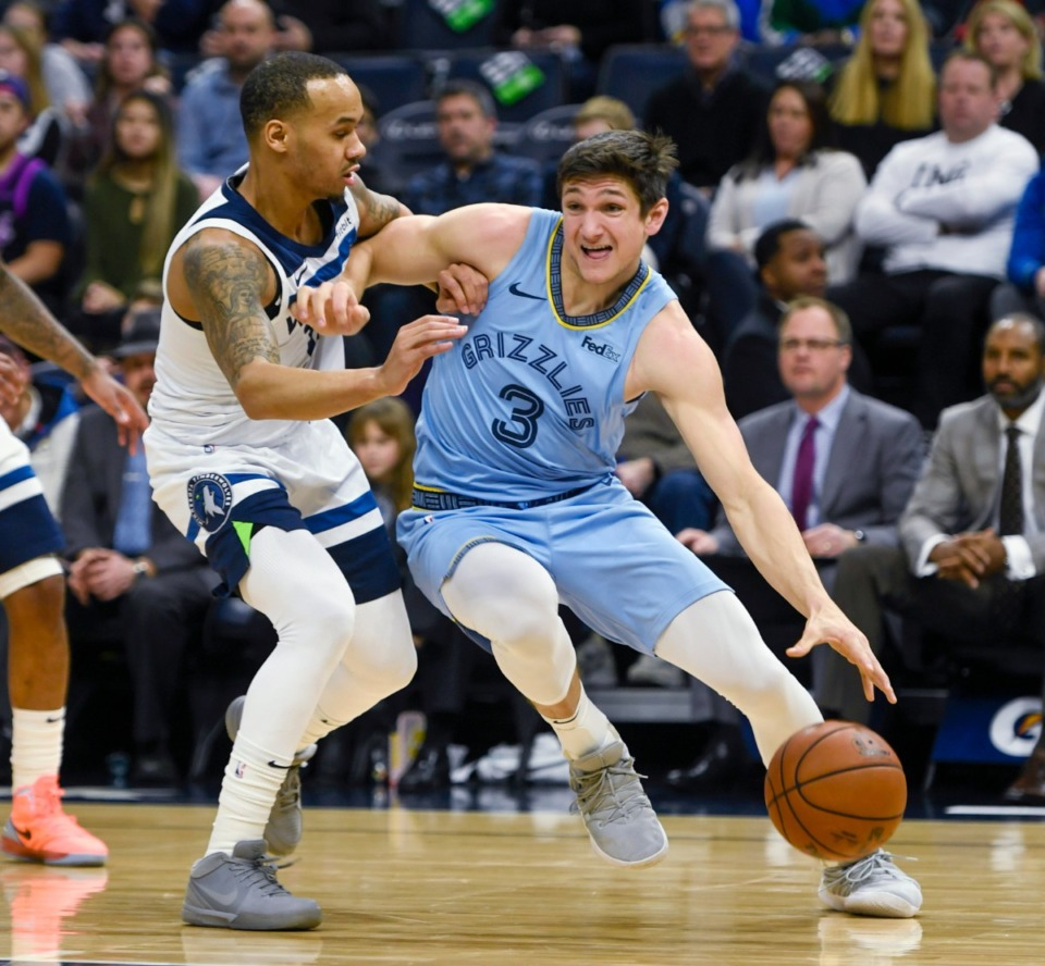 <strong>Memphis Grizzlies guard Grayson Allen drives past Minnesota Timberwolves guard Shabazz Napier&Acirc;&nbsp;during the first half of a NBA basketball game Sunday, Dec. 1, 2019, in Minneapolis.</strong> (Craig Lassig/AP)