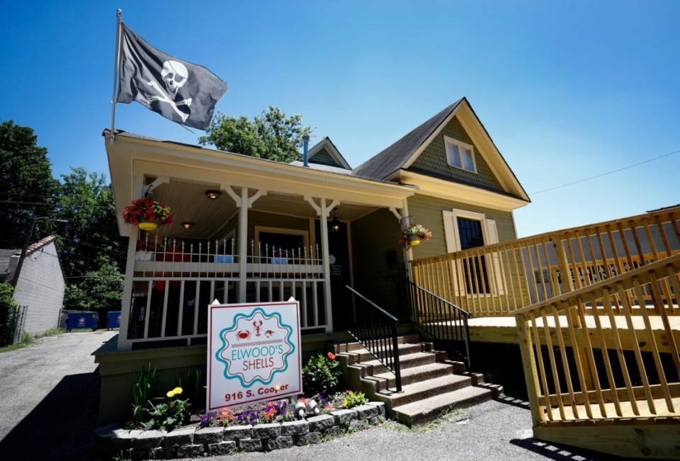 <strong>Seafood restaurant Elwood's Shells at 916 S. Cooper St. in Cooper-Young has closed.</strong> (Mark Weber/Daily Memphian)