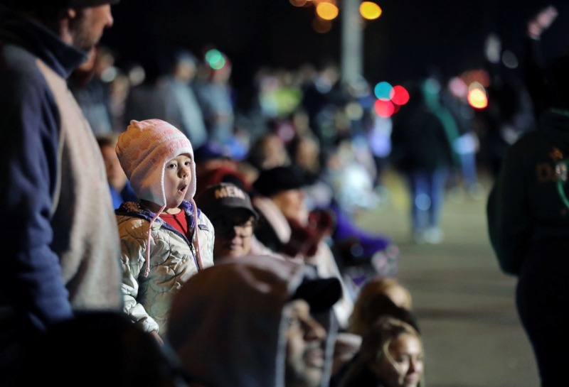 <strong>Crowds lined up Dec. 6 for Collierville's 43rd annual Christmas Parade as it stretched down Byhalia Road.</strong> (Patrick Lantrip/Daily Memphian)