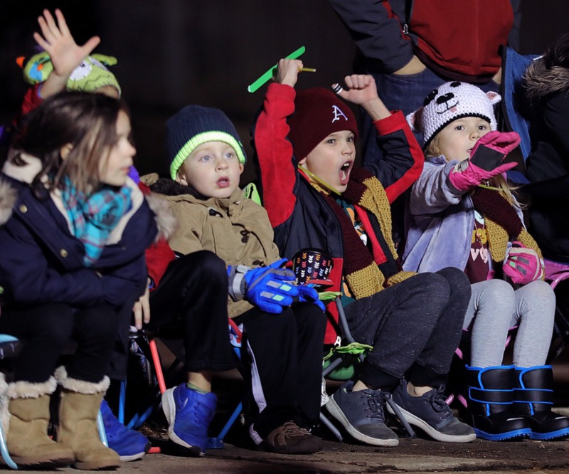 <strong>Young parade goers can cheer for the 43rd annual Collierville Christmas Parade Dec. 6.</strong> (Patrick Lantrip/Daily Memphian)