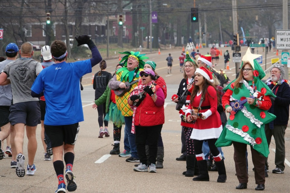 <strong>The Memphis Ukulele Flash Mob entertained the runners in the St. Jude Marathon in Memphis on Saturday morning, Dec. 7, 2019. More than 25,000 runners representing 49 states and 26 countries participated.&nbsp;</strong>(Karen Pulfer Focht/Special to The Daily Memphian)
