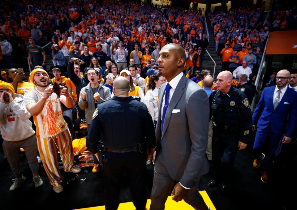 <strong>Memphis head coach Penny Hardaway is booed by the Tennessee fans as he walks onto the before taking on the Vols Saturday, Dec. 14, 2019 in Knoxville, Tennessee.</strong> (Mark Weber/Daily Memphian)