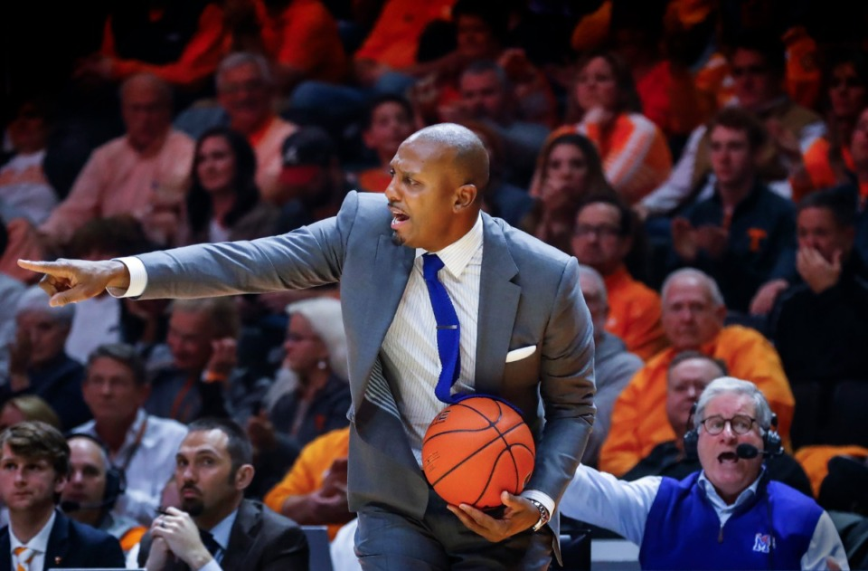 <strong>Memphis head coach Penny Hardaway argues an official out of bounds call during action against Tennessee Saturday, Dec. 14, 2019 in Knoxville, Tennessee.</strong> (Mark Weber/Daily Memphian)