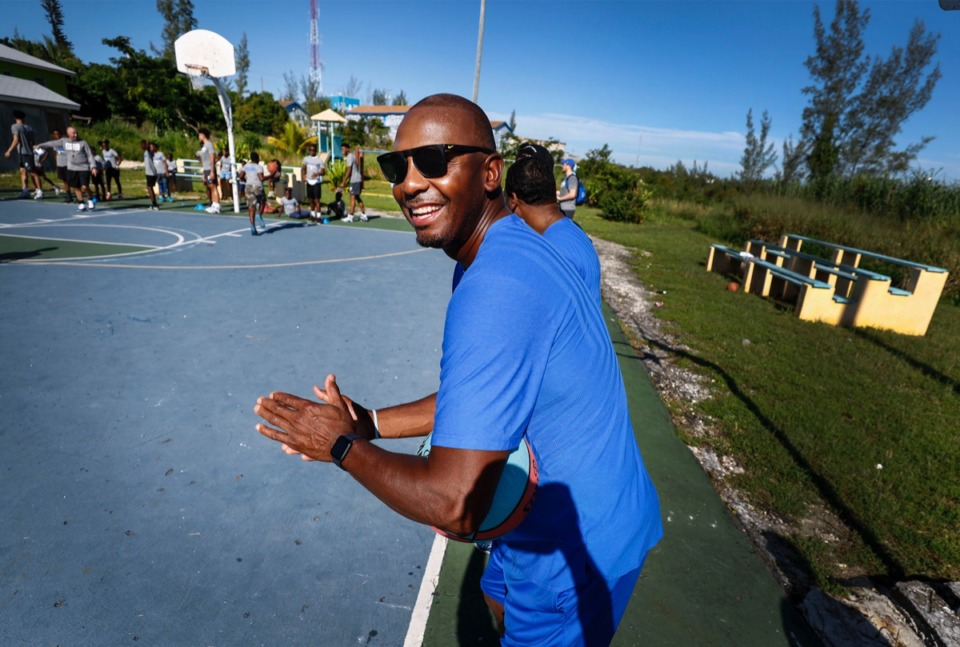 """<strong>U of M Athletic Director Laird Veatch says coach Penny Hardaway (seen here during a basketball camp with local youth in Nassau, Bahamas, Aug. 16) """"doesn&rsquo;t make you feel inferior. He&rsquo;s genuine and easy to connect with.""""</strong>&nbsp;(Mark Weber/Daily Memphian)"""