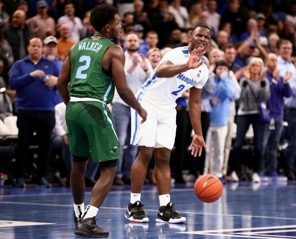 <strong>University of Memphis guard Alex Lomax (2) calls off a screen during a home game against Tulane University at the FedExForum Dec. 30, 2019.</strong> (Patrick Lantrip/Daily Memphian)