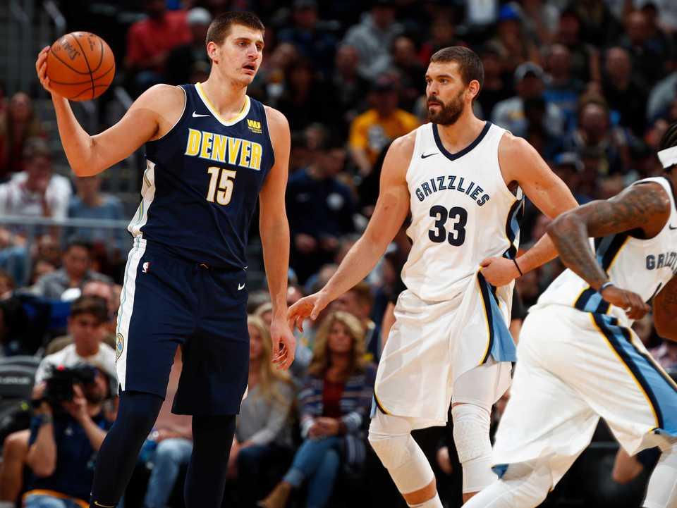 <span><strong>Denver Nuggets center Nikola Jokic (15) and Memphis Grizzlies center Marc Gasol (33) in the first half of an NBA basketball game Friday, Nov. 24, 2017, in Denver.</strong> (AP Photo/David Zalubowski)</span>