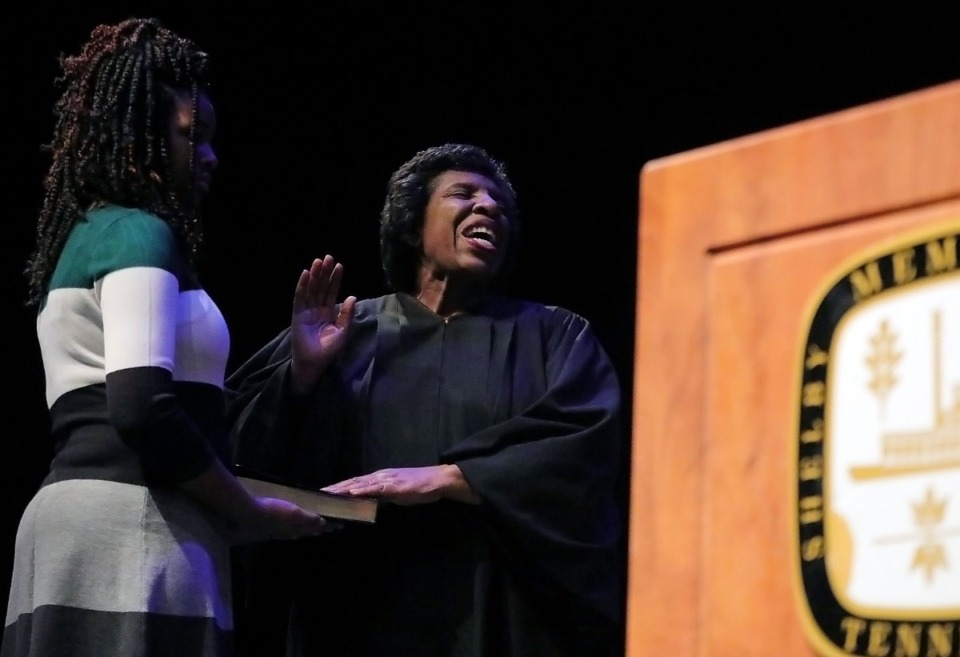 <strong>City Court Judge Teresa Jones takes the oath of office at an inauguration ceremony at the University of Memphis on Jan. 1, 2020.</strong> (Patrick Lantrip/Daily Memphian)