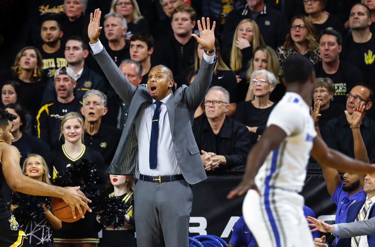 <strong>Memphis head coach Penny Hardaway (middle) calls for defensive pressure during action against Wichita State Jan. 9, 2020, in Wichita, Kansas.</strong> (Mark Weber/Daily Memphian)