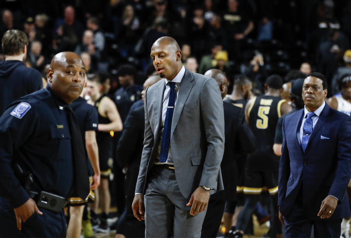 <strong>Memphis head coach Penny Hardaway (middle) walks off the court after falling to Wichita State 76-67 Jan. 9, 2020, in Wichita, Kansas.</strong> (Mark Weber/Daily Memphian)