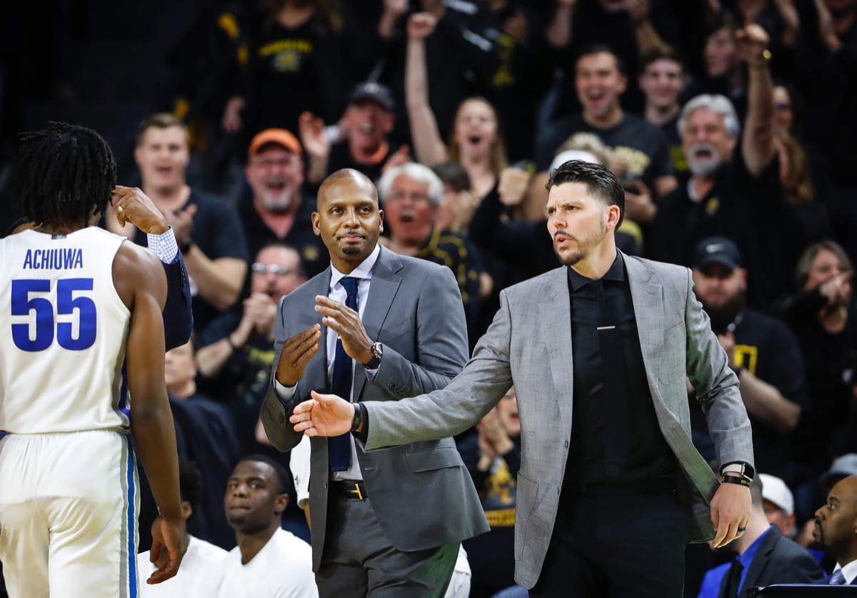 <strong>Memphis head coach Penny Hardaway (middle) calls a timeout after falling behind Wichita State Jan. 9, 2020, in Wichita, Kansas.</strong> (Mark Weber/Daily Memphian)